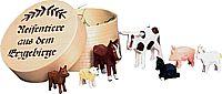 Tire animals in splinter box