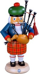 nutcracker scotsman with Bagpipes
