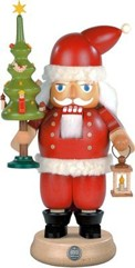 nutcracker Santa with tree